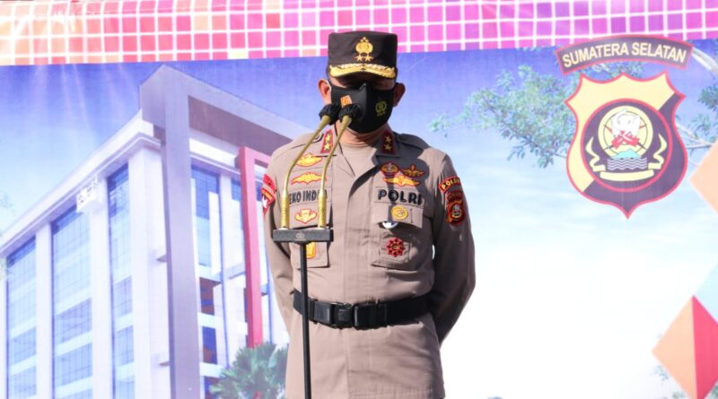 teks:IST- Apel Gelar Pergeseran Personel Polda Sumsel BKO Polrestabes Palembang dalam rangka backup pelaksanaan PPKM Mikro dan Pengamanan antisipasi kerumunan massa dikota Palembang
