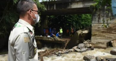 teks:IST- Jembatan Penghubung Rusak dan sebagian wilayah Pagaralam Banjir Akibat Derasnya Hujan