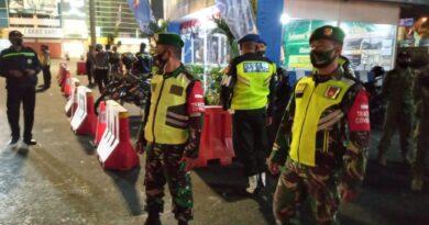 teks:IST- Sehari Tiga Kali Patroli Gabungan Tni-Polri-Dan Satpol PP Dalam Rangka Penegakan Protokol Kesehatan Menjelang Hari Raya Idul Fitri.