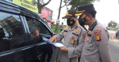 Foto: IST - Waka Polda Sumsel tinjau langsung Pos Penyekatan di KM 12 Palembang