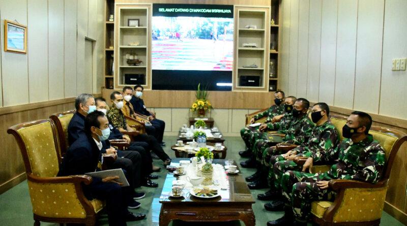 Foto: IST - Suasana audiensi Pengurus DPD Walubi Sumsel dengan Pangdam II Sriwijaya