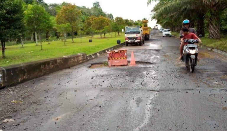 Foto: IST - Tampak jalan lingkar (Jaling) di Pemkab Banyuasin yang belum diperbaiki