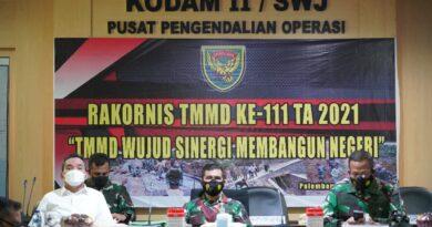 teks:IST- Melalui Vicon Kasdam II/Sriwijaya Ikuti Rakornis TMMD Ke-111 TMMD Wujud Sinergi Membangun Negri