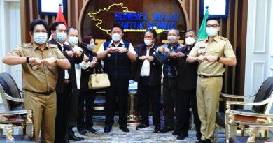 "teks:IST- Herman Deru Dukung Agenda PTMSI Gelar Kejurda Tenis Meja ""Gubernur Cup"""