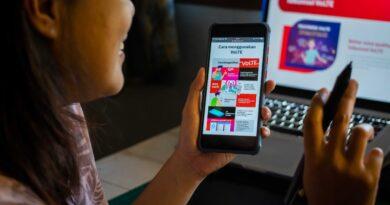 teks:IST-Layanan VoLTE Telkomsel telah hadir di 219 kabupaten/kota, dari total target perluasan jangkauan 230 kabupaten/kota selama tahun 2021. Layanan VoLTE Telkomsel sudah dapat digunakan pada lebih dari 100 tipe smartphone. Informasi lebih lanjut dapat diakses melalui www.telkomsel.com/volte.